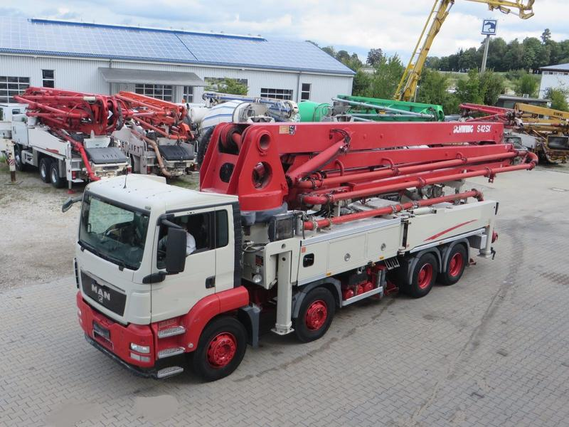 MAN 41.400 8x4 Schwing 42m SX German Pump
