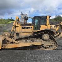 Used Caterpillar D8R bulldozer for sale - baupool co uk