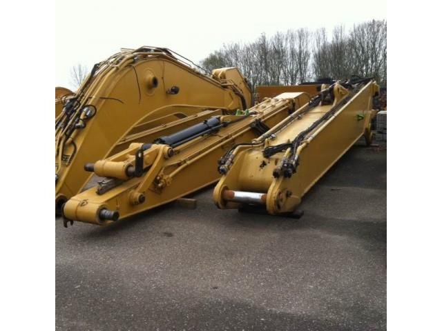 Caterpillar 385 Long Reach boom