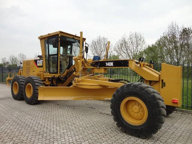 Caterpillar 140 K 2014 demo with 890 hrs